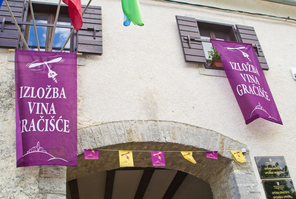 WINE FESTIVAL ON EASTER MONDAY IN GRAČIŠĆE