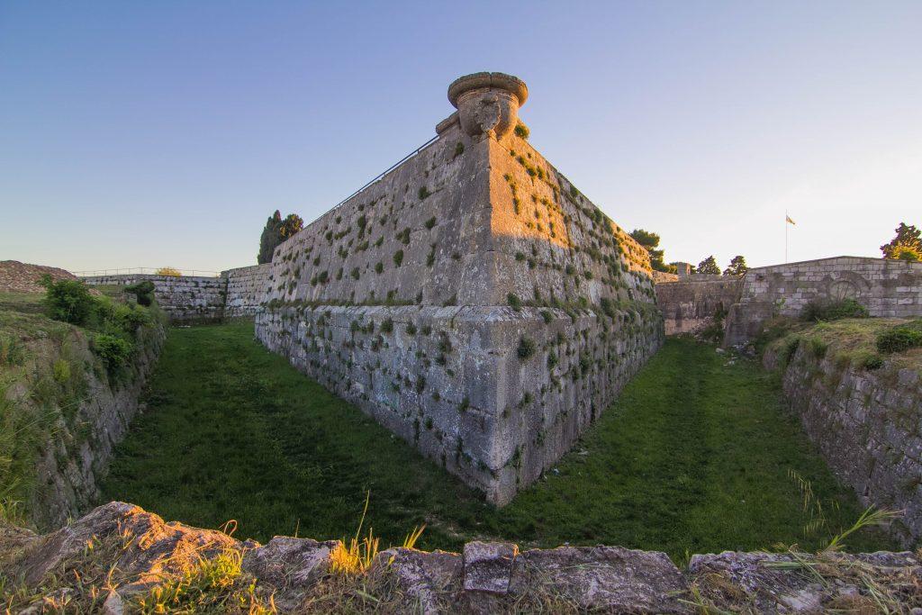 MASTERPIECE OF ANTOINE DE VILLE - VENETIAN FORTRESS KAŠTEL IN PULA