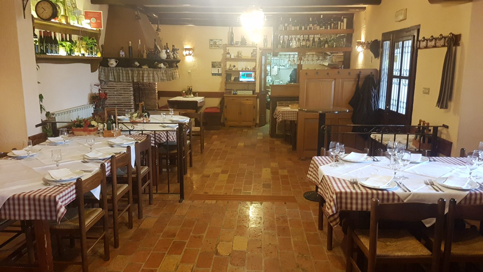 HOUSE SPECIALTIES IN TAVERN WITH FAMILY TRADITION THAT LASTS IN JADRUHI
